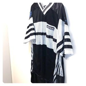 Vintage adidas jersey Black and white